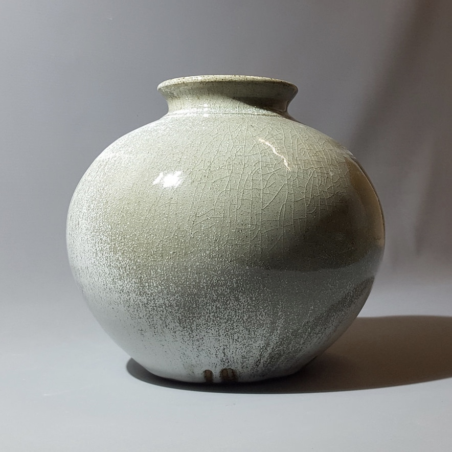 Alex Shimwell - Dolomite Vase