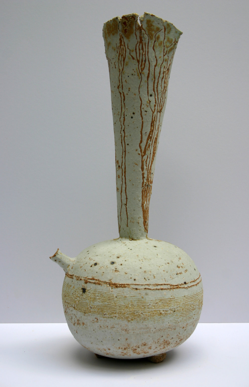 9th June 2009 05 chalk beach spouted tripod vessel 42cm x 20cm.jpg