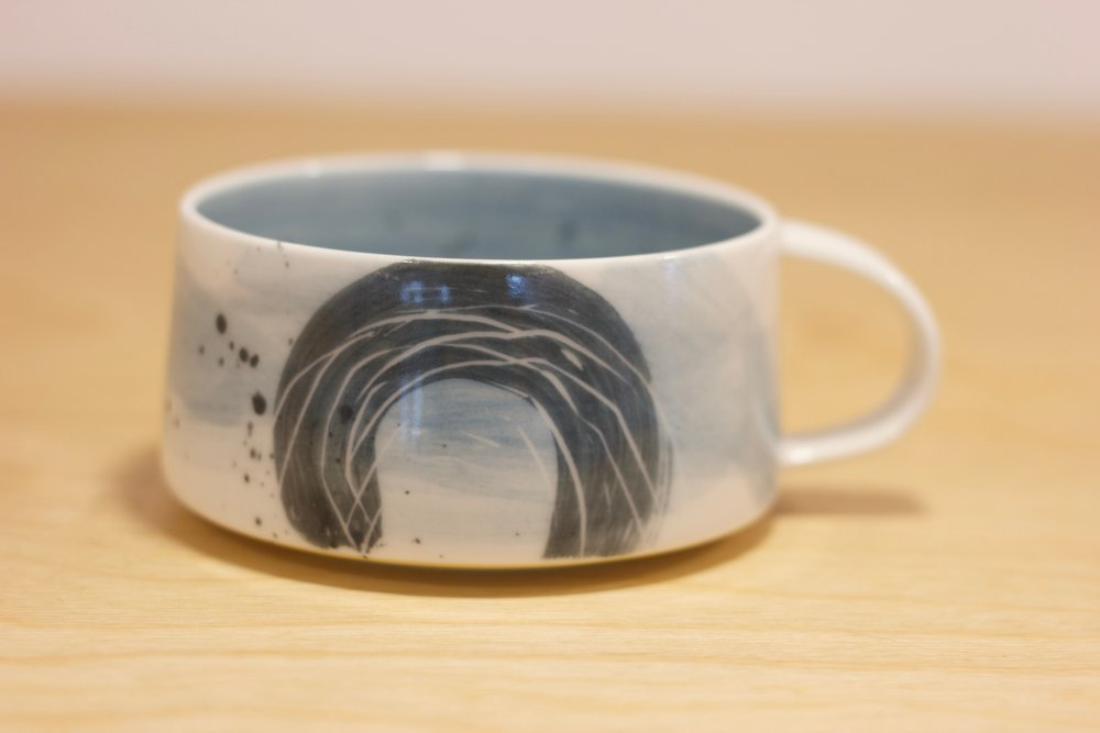 JM006 Large Cup Blue Swirl