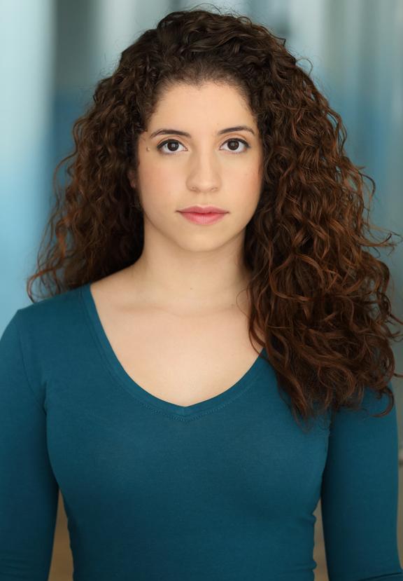 Alexandra Acosta Headshot.jpg