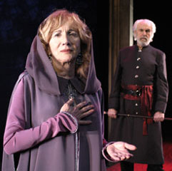 Olympia and Louis in Agamemnon 2004.jpg