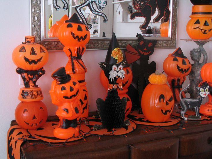 013b0615b20bea2e6991ff614a8fd5e8--halloween-tricks-halloween-vintage.jpg
