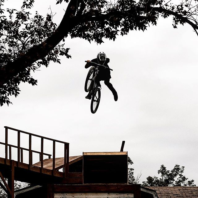 Can't wait for bike season to come ! A shot of @braydenbarretthay last year while he was filming for Homestead 2 with @bradschollfilms @mongoosecanada 🤘