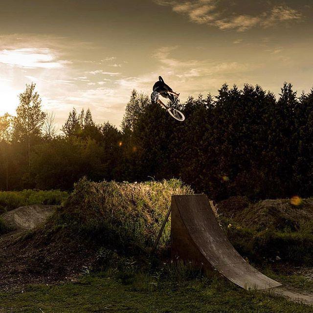 One of my favourite shots of @braydenbarretthay couple years back ✌️can't wait to shoot more biking this season. @mongoosecanada