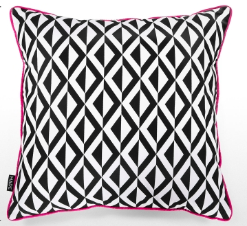 kirsty-whyte-made-mono-cushion-04.png