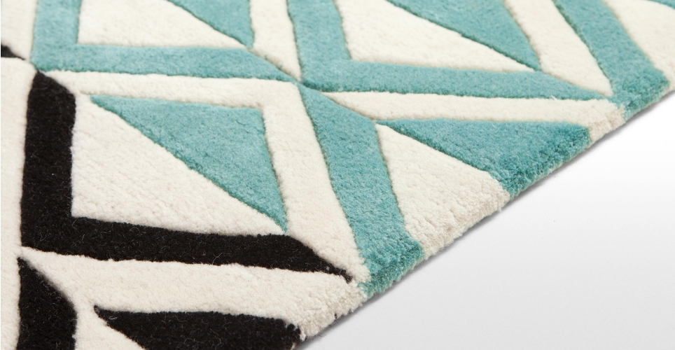 kirsty-whyte-made-monographic-rug-04.jpg