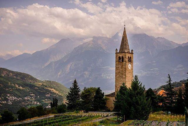 Church in the Alps Montjoux, Italy #italy #church #chiesa #igitaly #euro #eurotrip #roadtrip #exploretocreate #nikon #travelphotography #travelblog #potd #alps #italianalps #landscape #countryside
