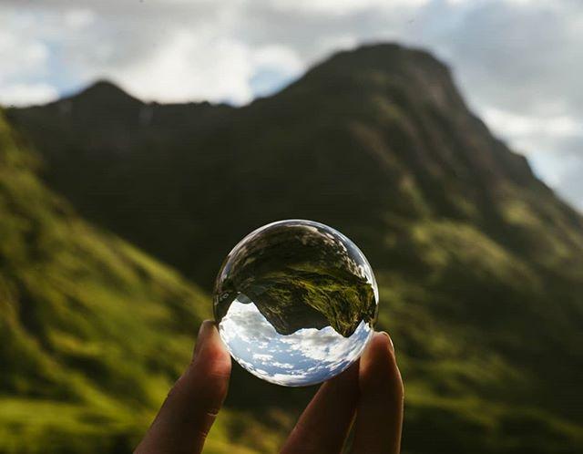 Splendour on the Isle of Skye #scotland #isleofskye #travelscotland #highlands #crystal #mountains #landscape #scottishhighlands #travelblog #travelphotography