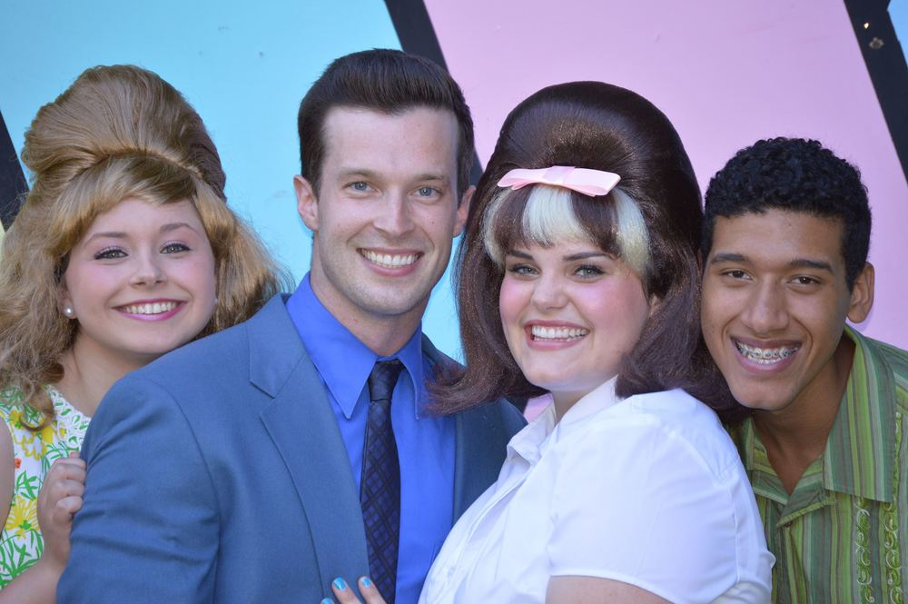 Amber (Jessica Schwartz), Link (Connor Spain), Tracy (Katie Cummings), Seaweed (Ismael Santana) in 'Hairspray'