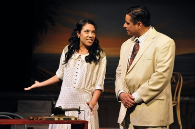 "Marela (Amanda Morish) gets to know lector Juan Julian (Martin J. Rodriguez) in the Teatro Nagual production of ""Anna in the Tropics."