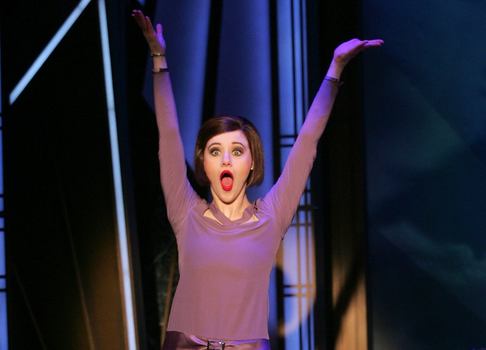 Taylor Quick in Thoroughly Modern Millie (photo by Diane Sobolewski)