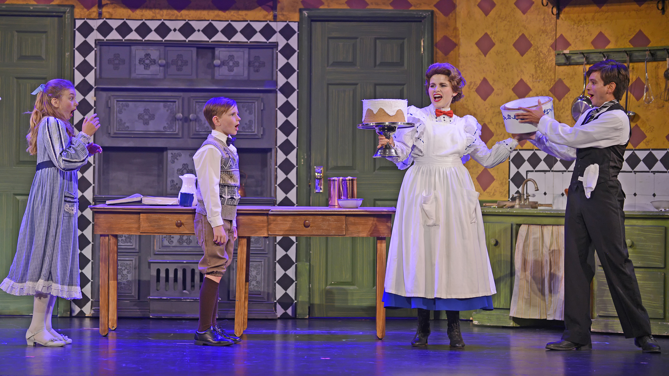 Review: Jolly Good U0027MARY POPPINSu0027 Flies Into Musical Theatre West U2014 OnStage  Blog