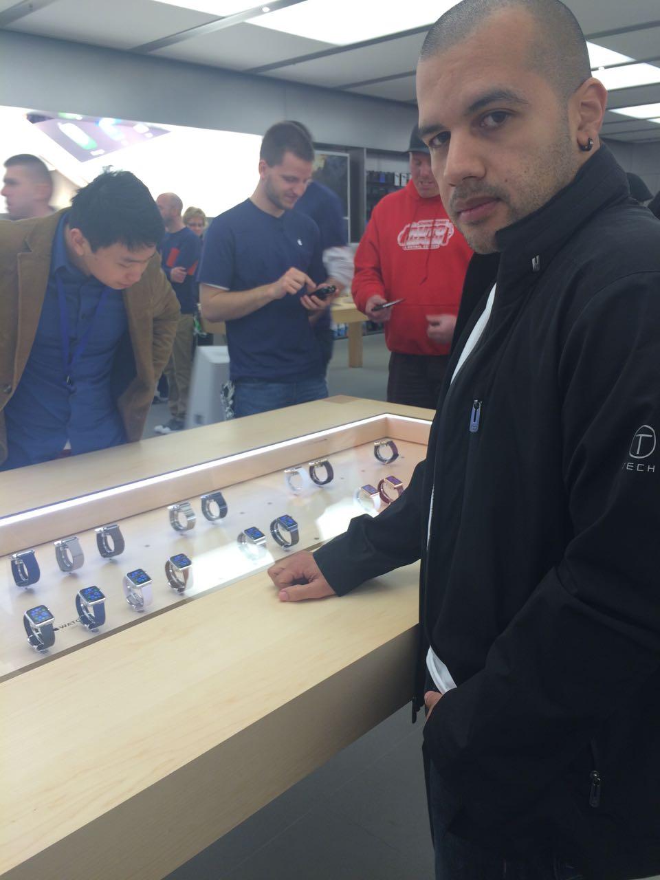 apple_watch_apple Store1.jpg