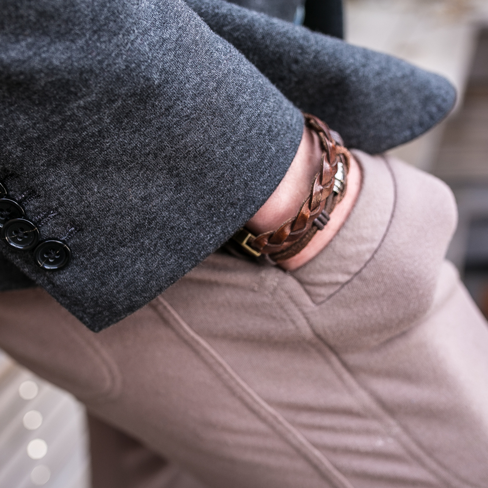 Mixed Leather wrist details never fail. The braided one is from H&M, while I found the other rope one at Spring.