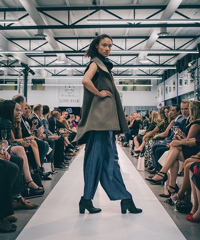Link in bio; my fashion forward mini recap and photo gallery is up on the site! Check out a few words and some of my favorite looks from this awesome event @fashion_forward @homefrontyyc. . . . #yycevents #runway #calgarylife  #yyc #calgary #yycfashion #canon #styleouthere #calgaryfashion #downtowncalgary #blog #yycstyle #fashionblog #blogger #yycblog #yycphotographer #yycphotography #calgaryevents #homefrontyyc #fashionforward #fashionshow #vsco #model #wtwt #wdywt #ootd #highfashion #womenswear #noisybokeh