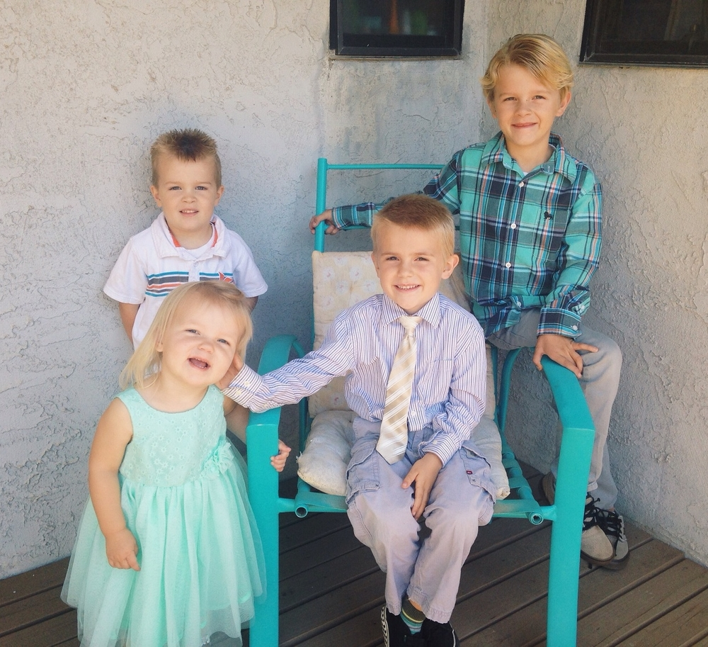 The munchkins before church on Sunday. I'm one lucky Tia