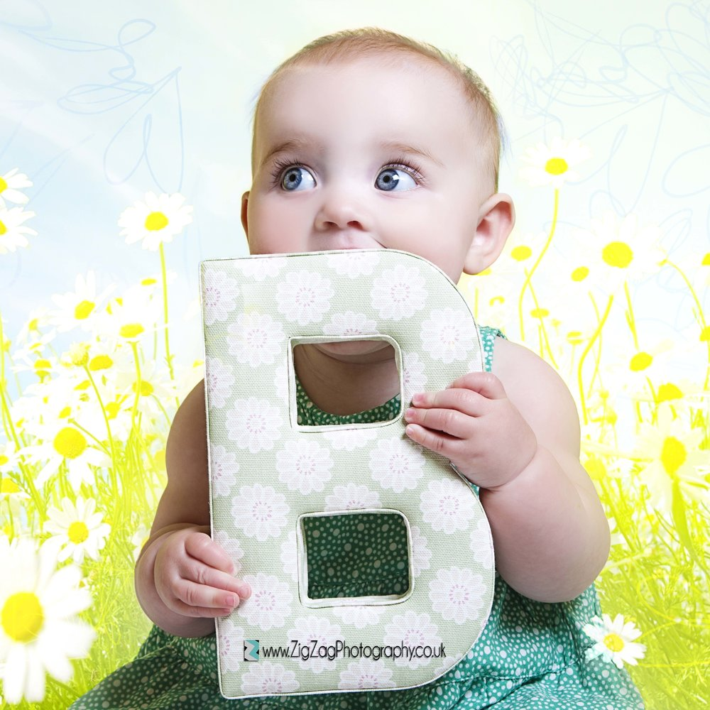 photography-photoshoot-leicester-studio-baby-birthday-ideas-daisy-flowers-kids-children-letters.jpg