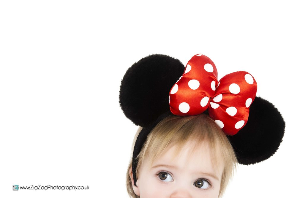 photography-studio-leicester-photoshoot-minnie-mouse-disney-headband-ears-props-cute-eyes-bow-child-girl.jpg