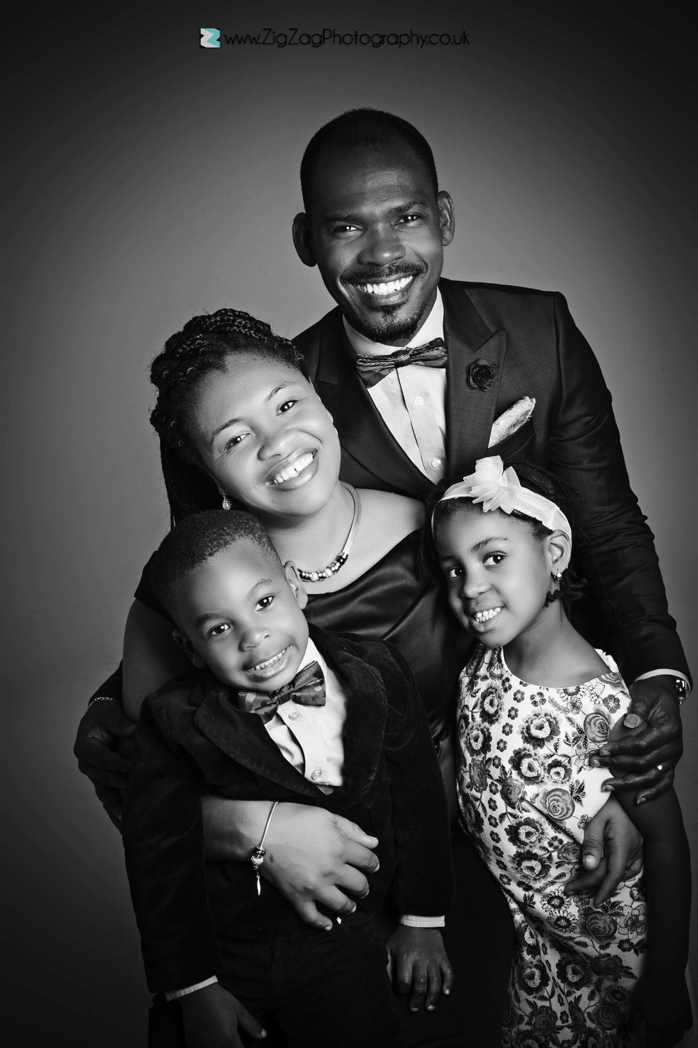 photography-leicester-photoshoot-session-zigzag-black-white-smart-suits-family-parents-mum-dad-children-kids-headband-boy-girl-bowtie.jpg