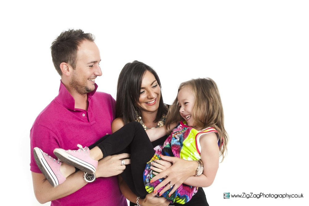 photography-leicester-photoshoot-session-zigzag-family-pink-mum-dad-girl-daughter-converse-fun-laugh-ideas.jpg