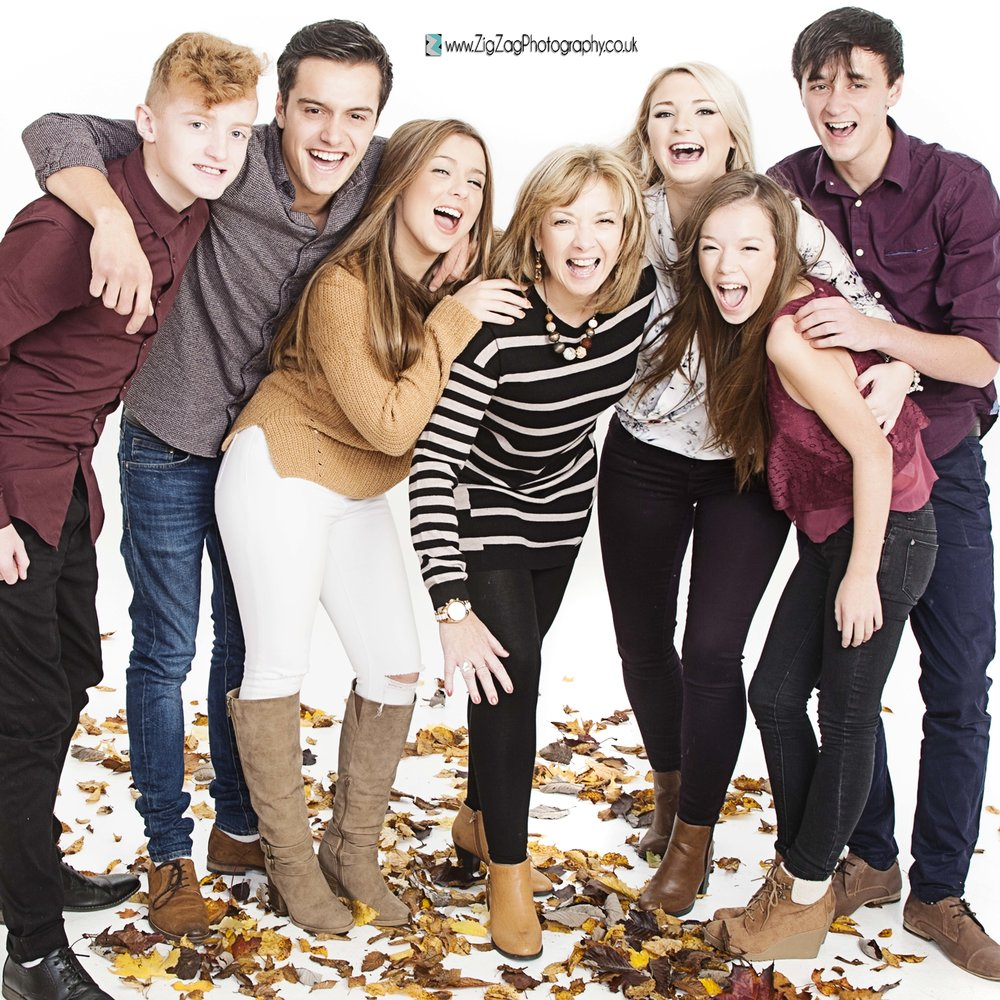 photography-leicester-photoshoot-session-zigzag-autumn-family-ideas-leafs-boots-teenagers-kids-parents-fun-laugh.jpg