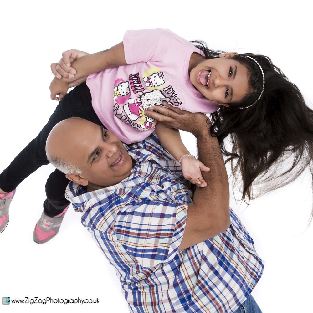 photography-session-leicester-photoshoot-zigzag-lift-fun-dad-dayghter-laugh-smiles-ideas-father-headband.jpg