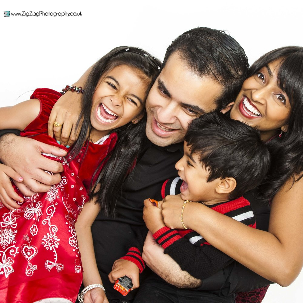photography-session-photoshoot-leicester-zigzag-family-kids-boy-girl-red-dress-smile-ideas-fun.jpg