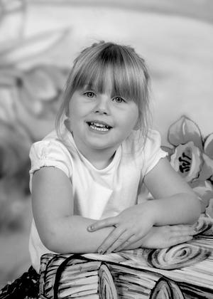 zigzag-photography-leicester-photography-studio-nursery-school-childrens-kids-themed-background-8.jpg