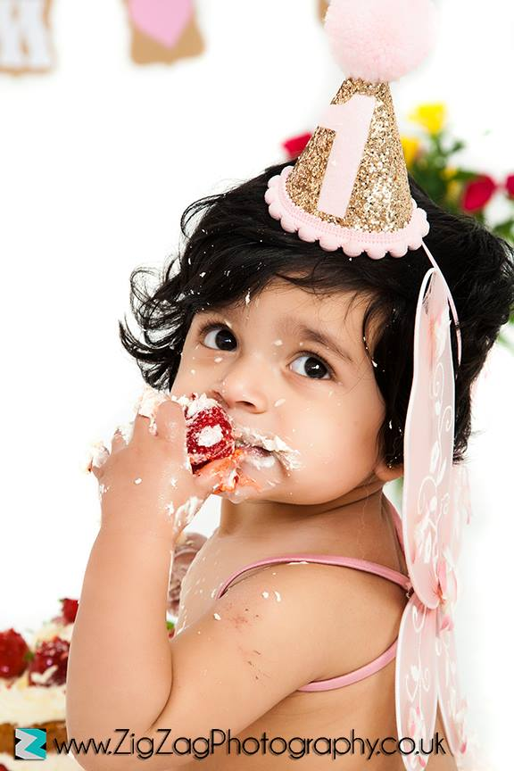 eicester-zigzag-zig-zag-photography-studio-cake-smash-birthday-baby-photo-celebration-shoot-clarendon-park-strawberry-girl-fairy.jpg