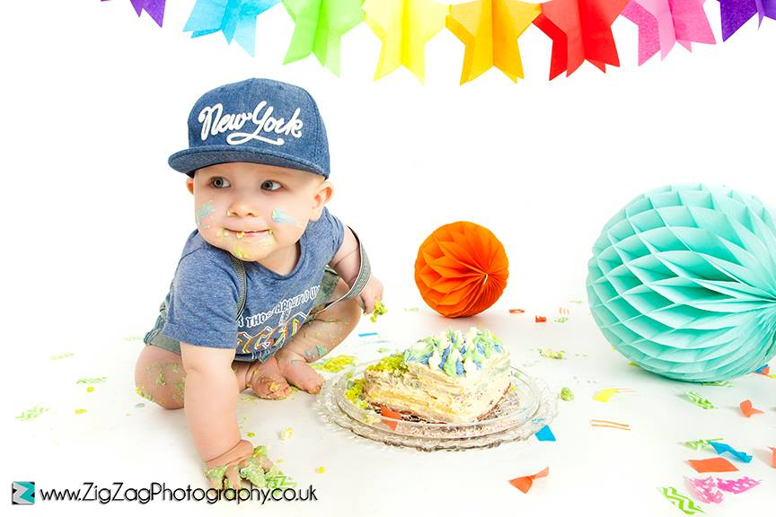 leicester-zigzag-zig-zag-photography-studio-cake-smash-birthday-baby-photo-celebration-shoot-clarendon-park-.jpg