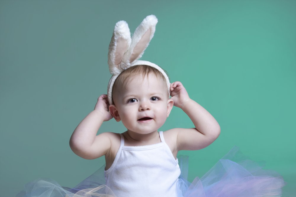 photography-studio-leicester-photo-shoot-baby-birthday-zigzag-zig-zag-family-clarendon-park-queens-road-bunny-props-ideas-tutu-girl.jpg