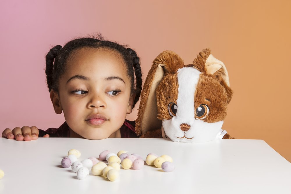 zigzag-photography-leicester-zig-zag-photographers-photo-studio-clarendon-park-queens-road-best-family-portraits-children-fun-colourful-bunny-eggs-easter-ideas-props.jpg