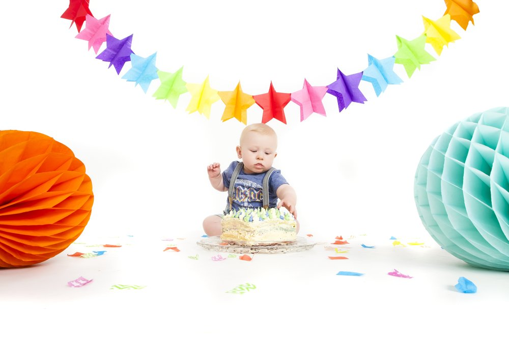 photography-studio-leicester-photo-shoot-photographer-baby-cakesmash-cake-smash-birthday-first-zigzag-zig-zag-family-clarendon-park-photographer-queens-road-ideas-props.jpg