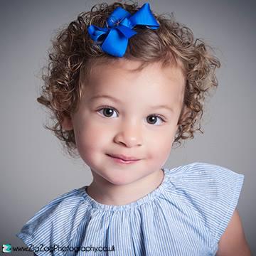 childrens-photographer-leicester-porfolio-photography-studio-family-girl-photos-portrait-zigzag-zig-zag.JPG