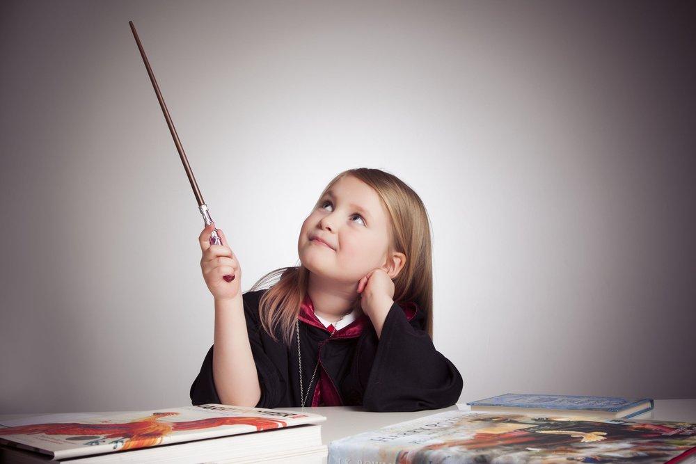 photographers-leicester-kids-children-family-harry-potter-photography-studio-photo-portrait-ideas-props-zigzag-zig-zag.JPG