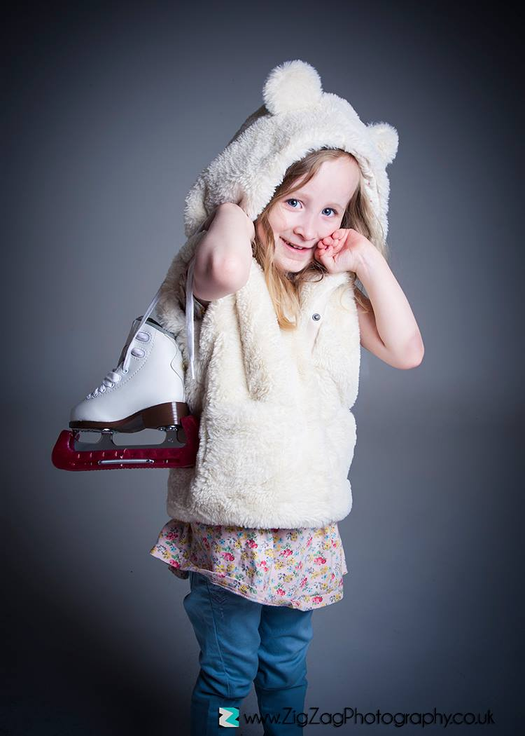 childrens-photographer-leicester-photography-studio-photo-shoot-portfolio-ideas-props-sports-ice-skating-zigzag-zig-zag.JPG