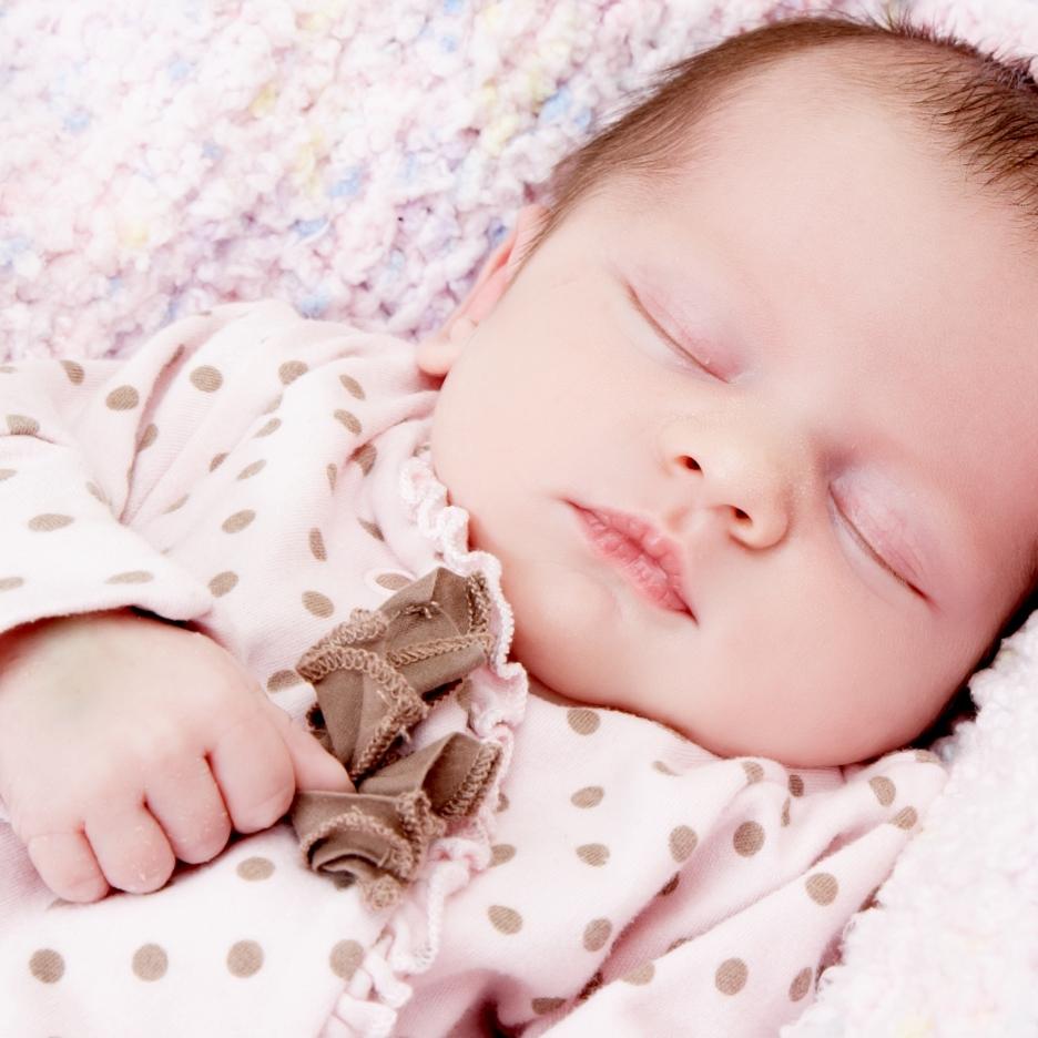 Zigzag-photography-venture-studios-leicester-bump-photos-ideas-portraits-baby-newborn