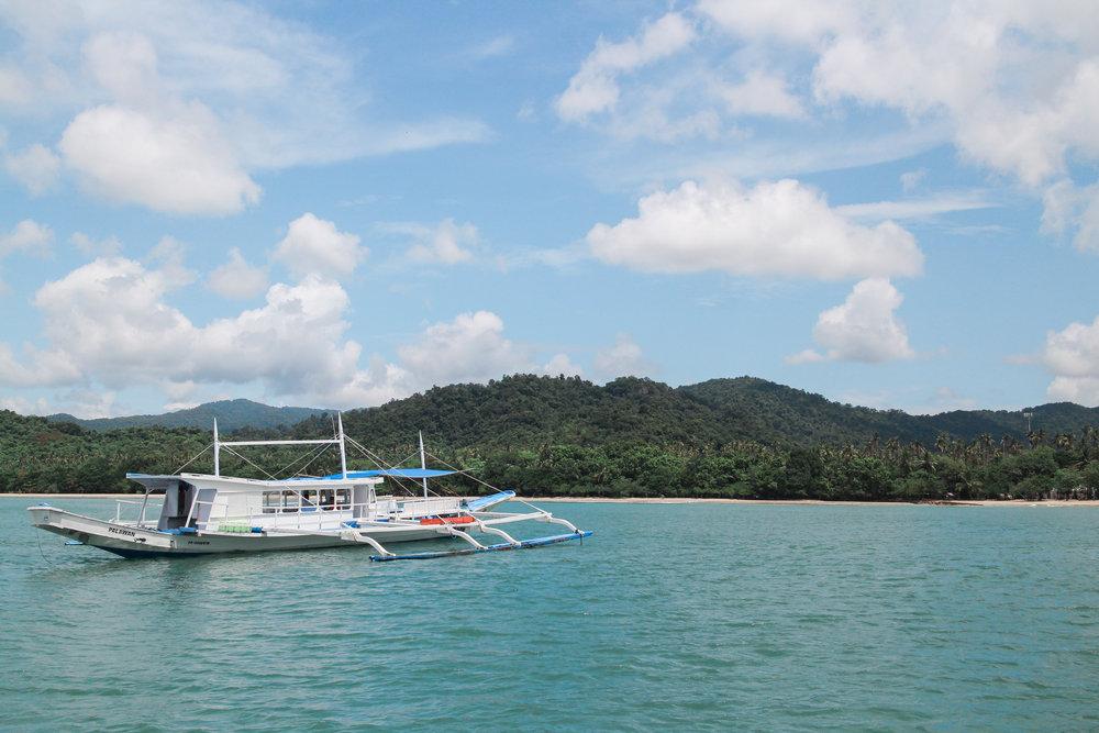 islands away - El Nido, Palawan