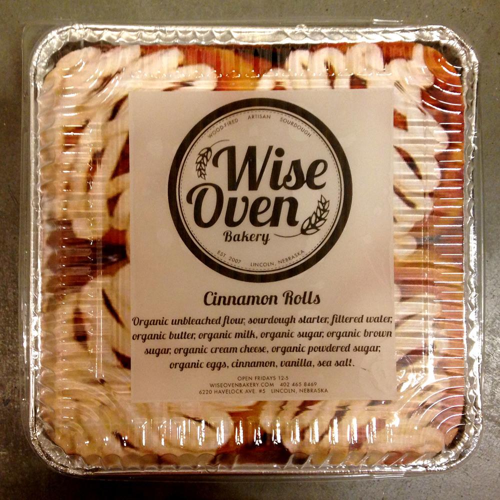 Cinnamon Roll Packaing