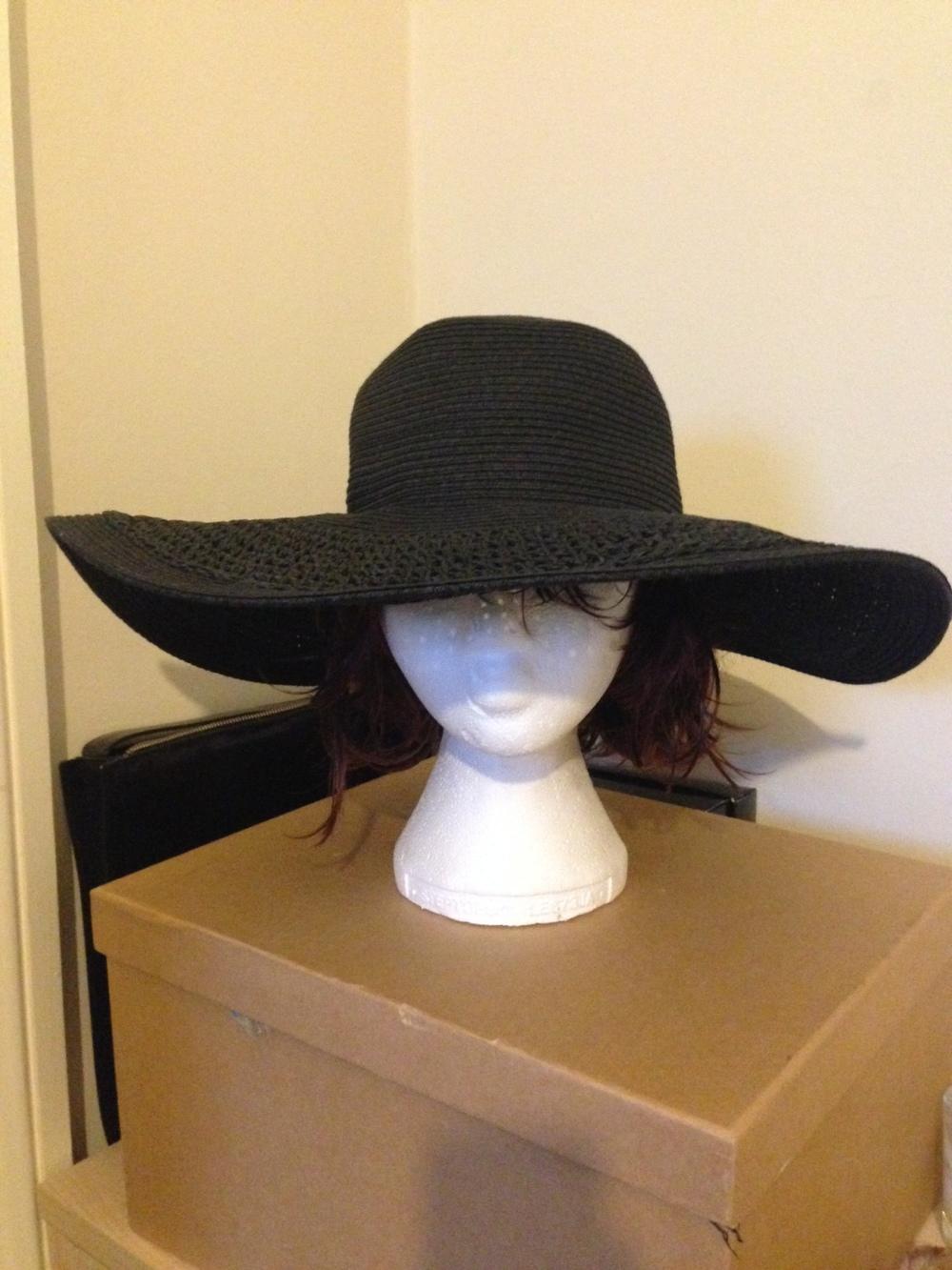 sun hat.JPG