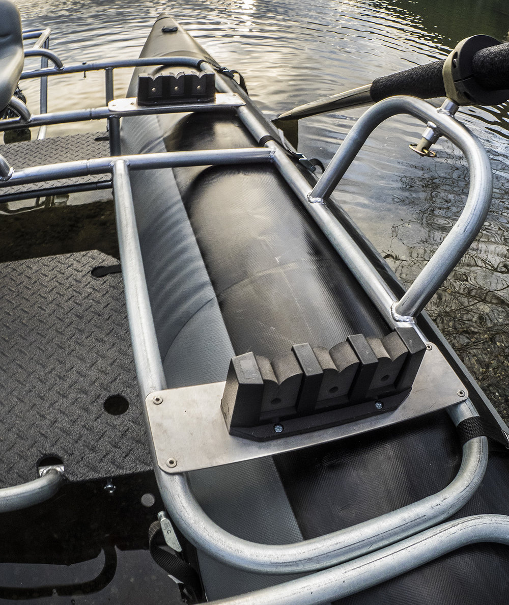 rod holder_pontoon