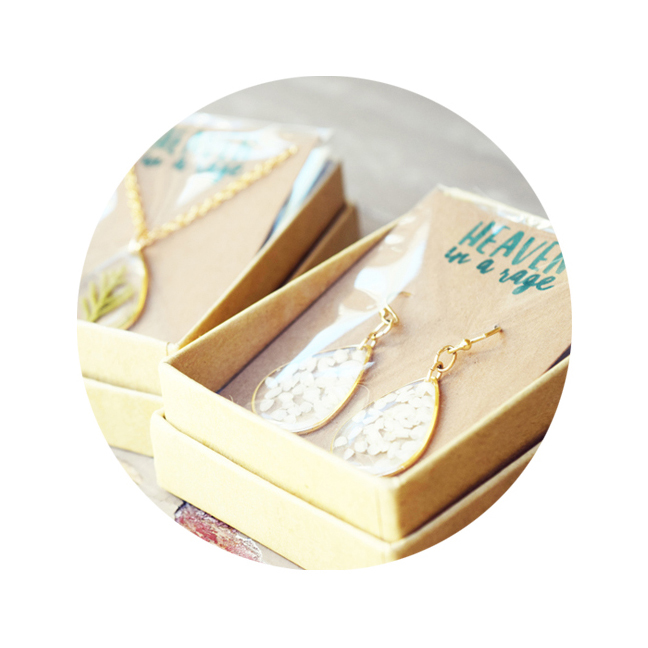 DIY Custom Jewelry Packaging Thumbnail SQUARE PADDED.jpg