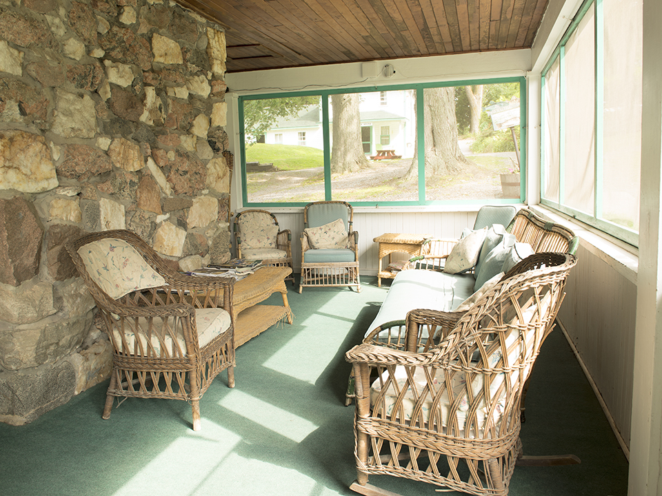 As soon as we enter the lodge, we have the perfect spot to relax with a cup of hot coffee.