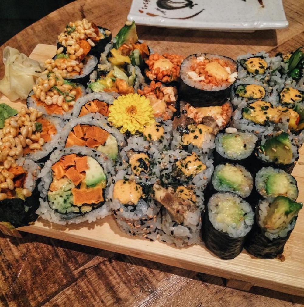 Sushi Momo on Saint-Denis