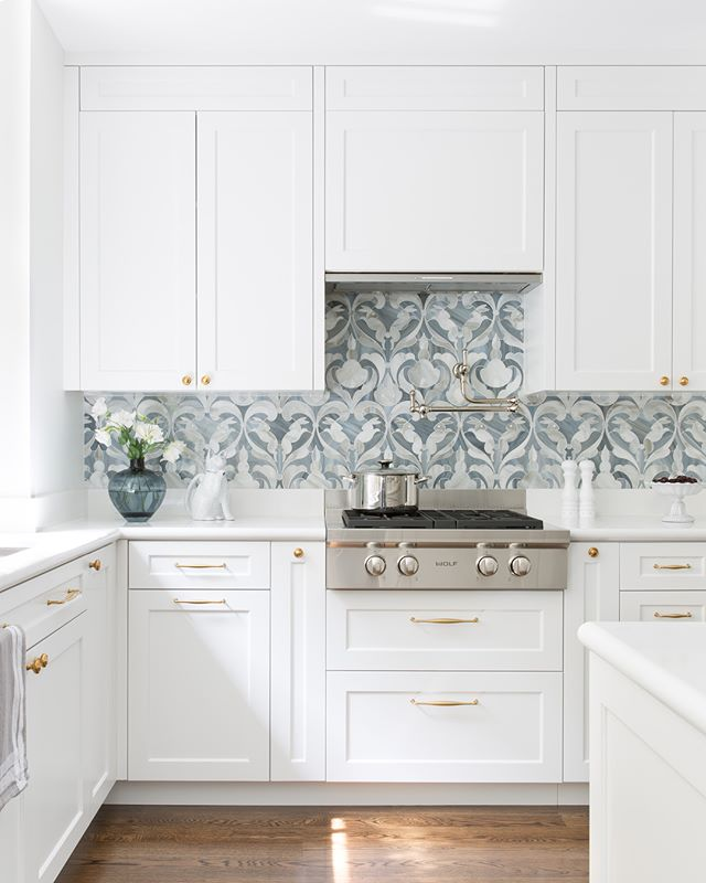 This pot filler and glass mosaic bunny backsplash are nods to the client's love of the countryside, which she wanted to bring into her new home in the city. Country mouse, meet city mouse. 🌾  #ABHNobHill renovation, swipe for before 📷s . . . . .  #housetour #interiordesign #design #architecture #renovation #homedecor #interiorlovers #interiorboom #interiordesire #interiordetails #interiorforinspo #homereno #homedetails #homedecorideas #myhomevibe #interior123 #currentdesignsituation #sodomino #howwedwell #myhousebeautiful #housegoals #interior_and_living #dailydecordose #kitchen