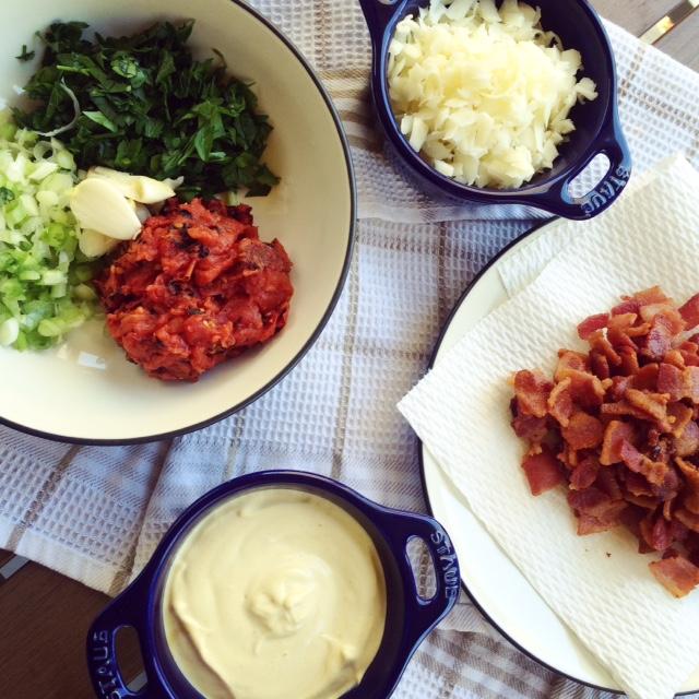bacon-parsley-garlic-onion-mozzarellacheese.JPG