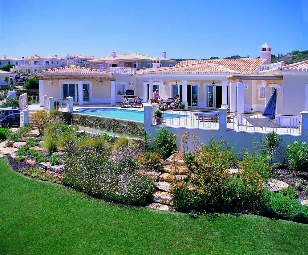 RdL123 V83 BEView House+Gardens.jpg