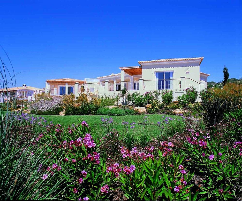 RdL135 V83 House+Gardens.jpg