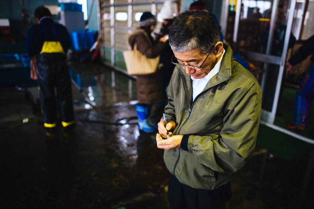 Rusutsu chef at morning fish market