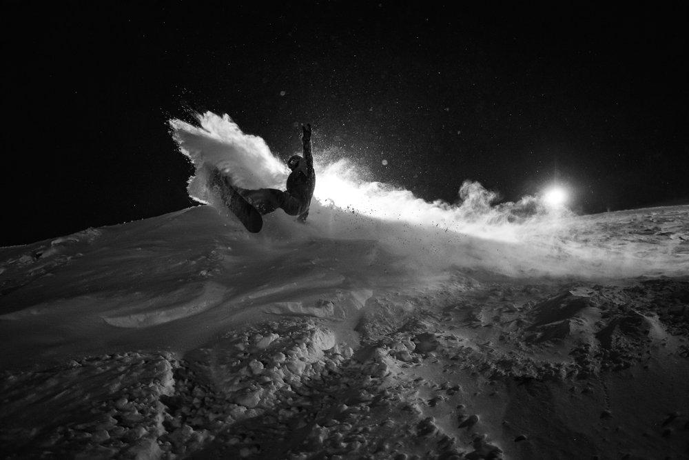 Night powder at Rusutsu